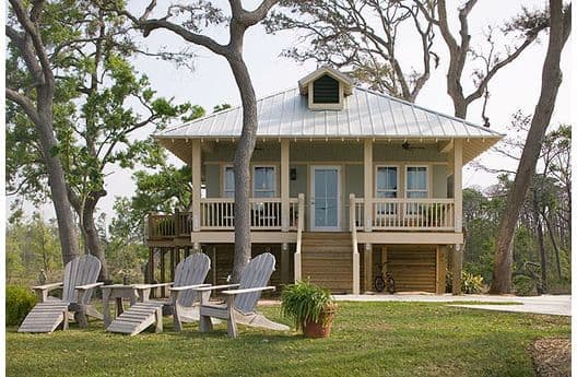 The 1,650 sqft 3 bed 2.5 bath Tightlines Cottage has creekviews and is our largest rental cottage, perfect for your family vacation.