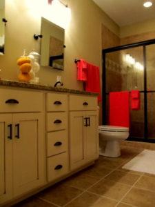 The Pamlico Cottage master bathroom.