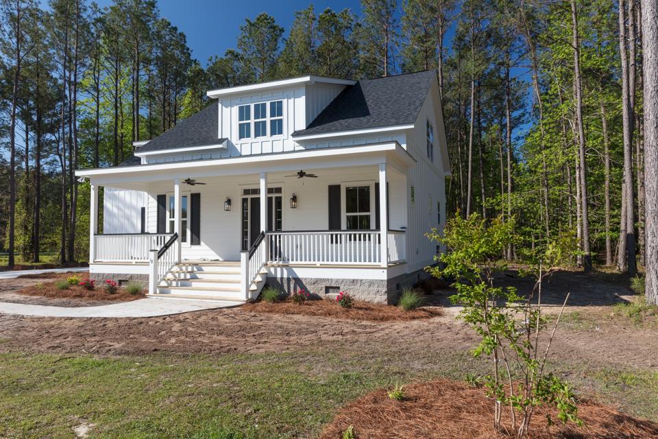 Carolina Capehouse cottage home exterior at Arlington Place.